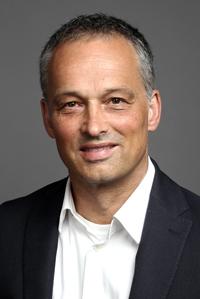 Dr. Stefan L. Dörr